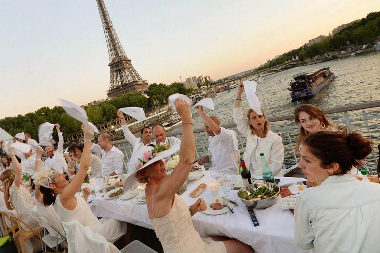 Mengetahui Tentang White Dinners: Acara Tahunan Rahasia Prancis
